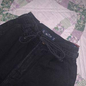 Hollister paperbag mom jeans 🖤